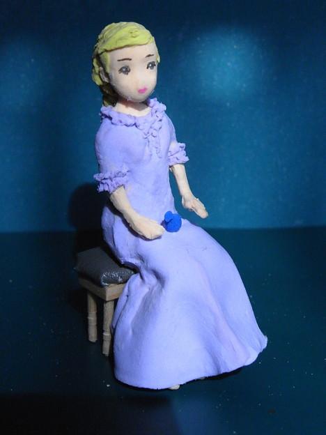 紙粘土人形腰掛青い鳥