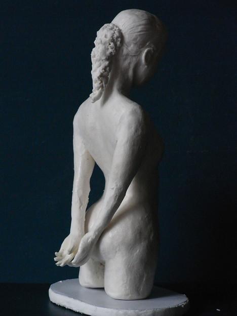 紙粘土人形 裸婦8 後ろ1