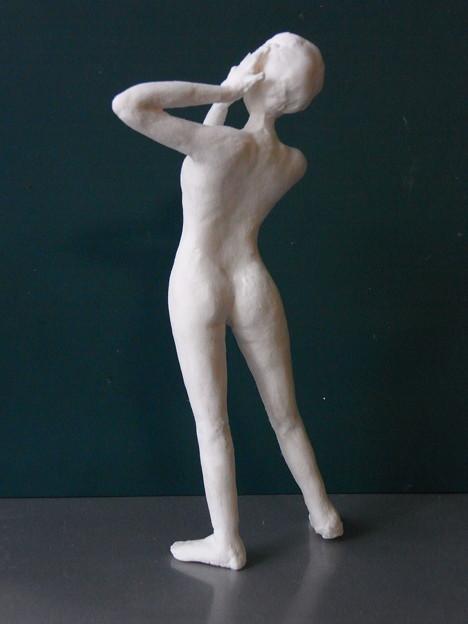 裸婦人形9後ろ