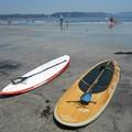 Photos: 鎌倉由比ヶ浜とサーフィンボード