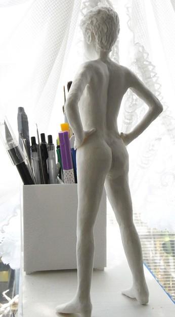 Photos: 紙粘土人形 裸婦15 両手腰背