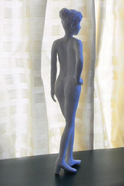 紙粘土人形 裸婦16 後ろ