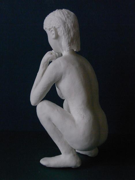 紙粘土人形裸婦像49しゃがみ後