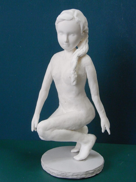 紙粘土人形裸婦像56 中腰 前