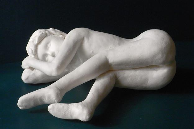 紙粘土人形裸婦像60 絵画横臥前