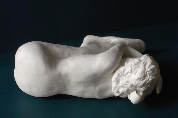 Photos: 紙粘土人形裸婦像60絵画横臥背