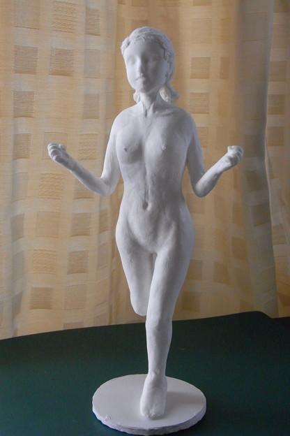 紙粘土人形裸婦像62はしゃぎ 前