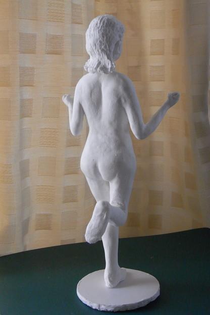 紙粘土人形裸婦像62はしゃぎ 後