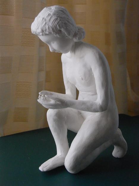 紙粘土人形裸婦像64水すくい