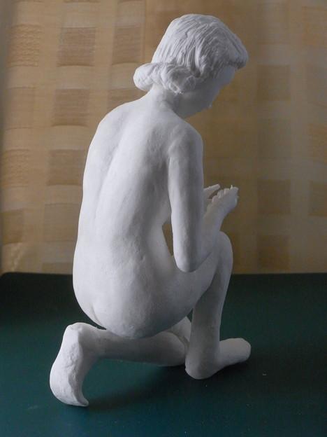 紙粘土人形裸婦像64水すくい後