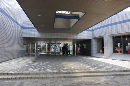燕三条地場産センター (2)
