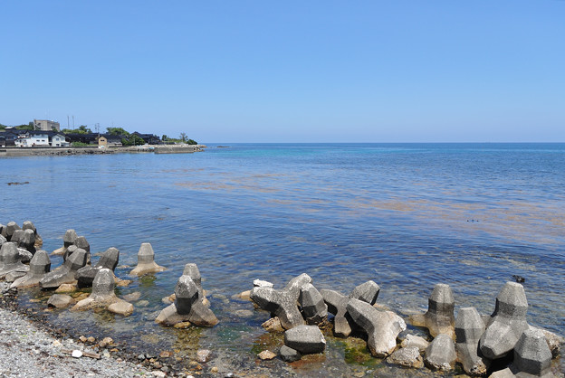 五色ヶ浜近くから見る海