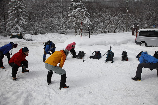 日本の山 雪山講習会S1 蓼科山 出発前の準備体操