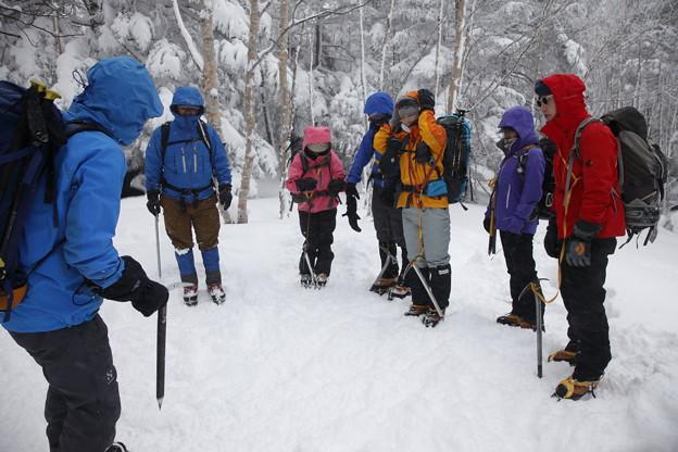日本の山 雪山講習会S1 蓼科山 歩行途中での講習