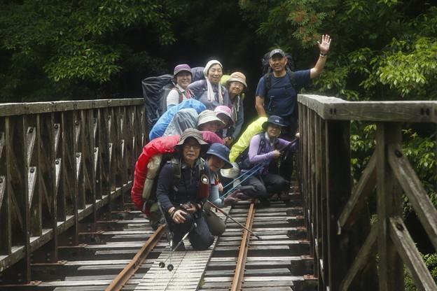 日本の山 ゆっくり登山 宮之浦岳 森林軌道の橋の上