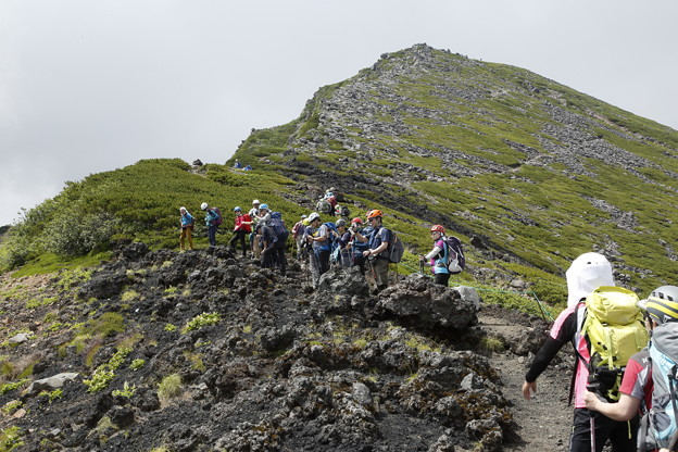 日本の山 次晴登山部 御嶽山 摩利支天を目指して
