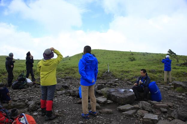 日本の山 空見ハイキング 霧ヶ峰 物見岩では晴れ間も