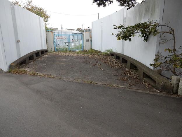 鶴ヶ峰配水池入口