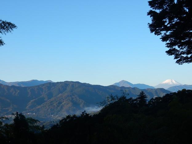 大垂水峠から富士山