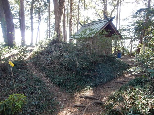 三内神社本社