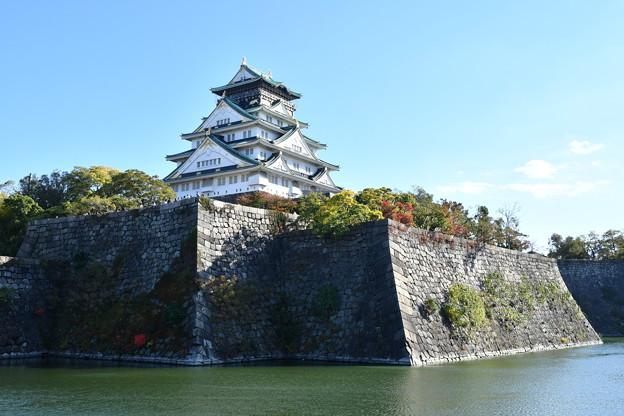 大阪城、内堀の外から撮影