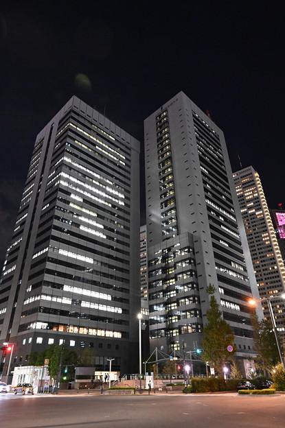 新宿の夜景・工学院大学、他