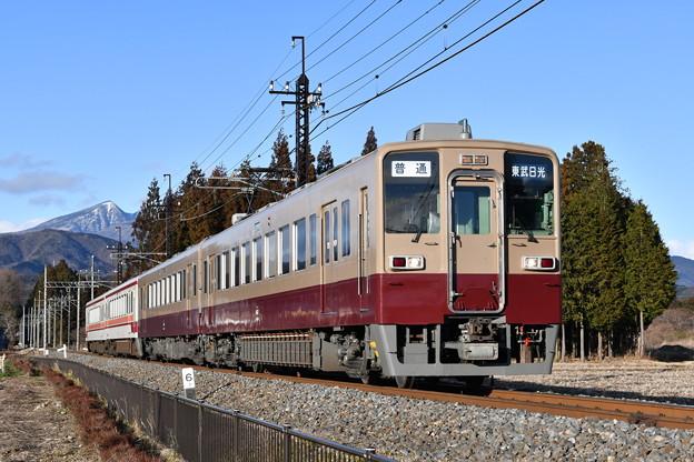 Photos: 東武鉄道普通列車 6050系(旧塗装)