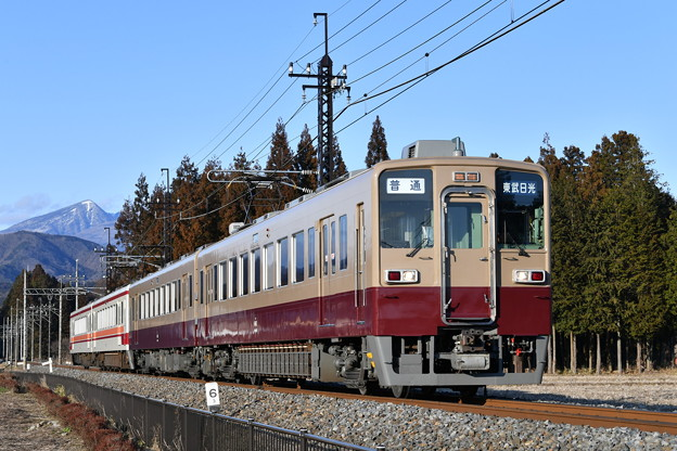 Photos: 東武鉄道6050系4両(一部旧塗装) 普通列車 上り