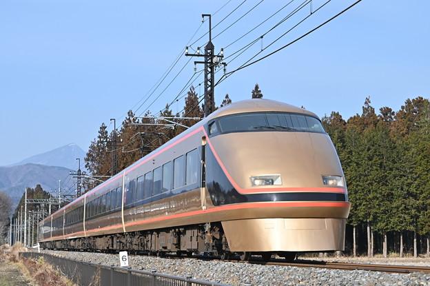 東武鉄道100系スペーシア 「日光詣」編成 (特急きぬ130号)