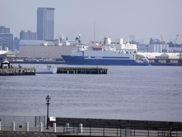 写真: 海洋調査船 「 SEA VENTURE 」 -1