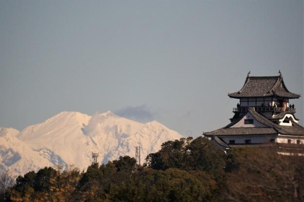 犬山城天守閣と御嶽山
