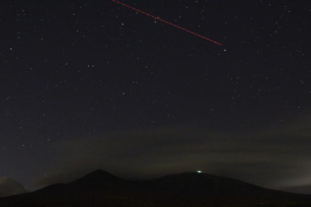 八甲田山と人工衛星01