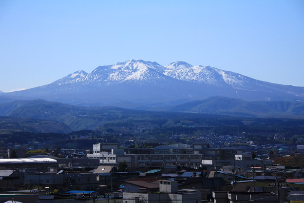 雪融け・八甲田山01