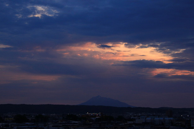 Photos: 夕焼け・岩木山