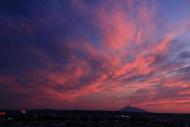 夕焼け・岩木山