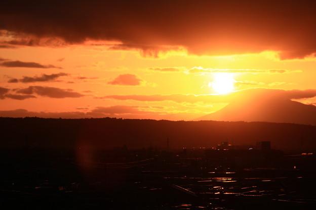 岩木山に沈む夕日1