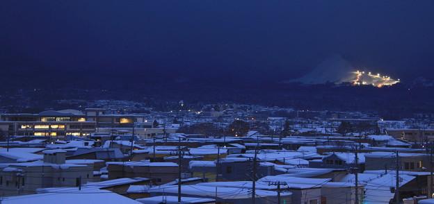 Photos: 街に明かりが灯る頃