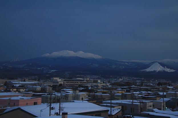 八甲田山とモヤヒルズ(スキー場)