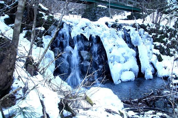 丸神の滝の沢の氷柱1