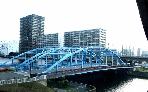 朝のかちどき橋