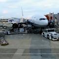 写真: 伊丹航空の旅客機