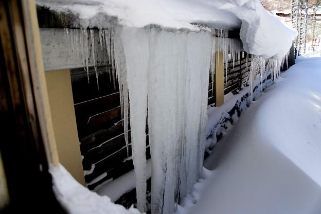 駅通路からの氷柱2