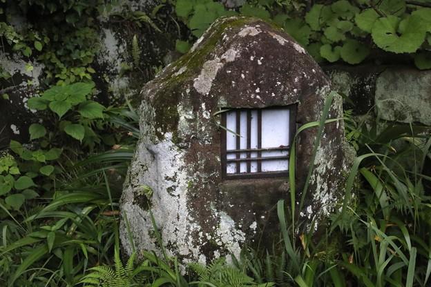 杉本寺の灯籠