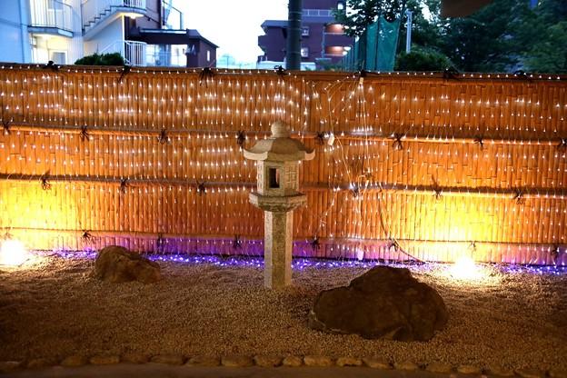 アーバンホテル京都の入口の照明