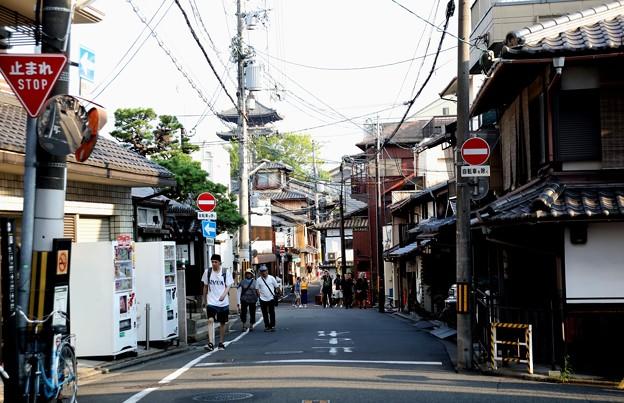 八坂神社より清水寺への道
