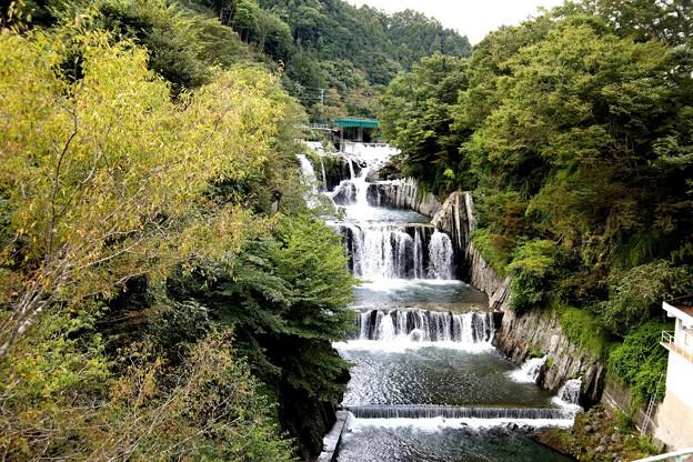 田原の滝 全貌2