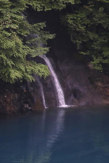 奥四万湖の滝