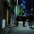 写真: 夜歩き