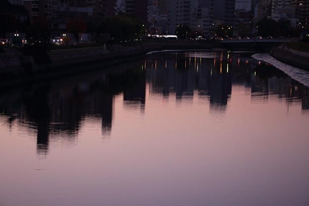 夕 テールランプ