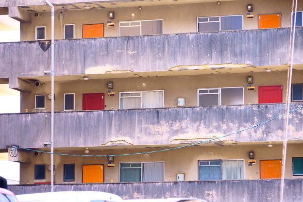 三原2 カラフルアパート